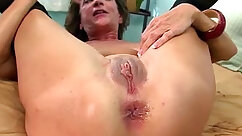 Amateur mature deepthroats and assfucked by throbbing