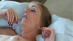 Amateur mommy sucks and fucks in the grass