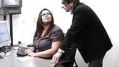 Black Muscle Secretary Gets Fucked By Carolina Cummz